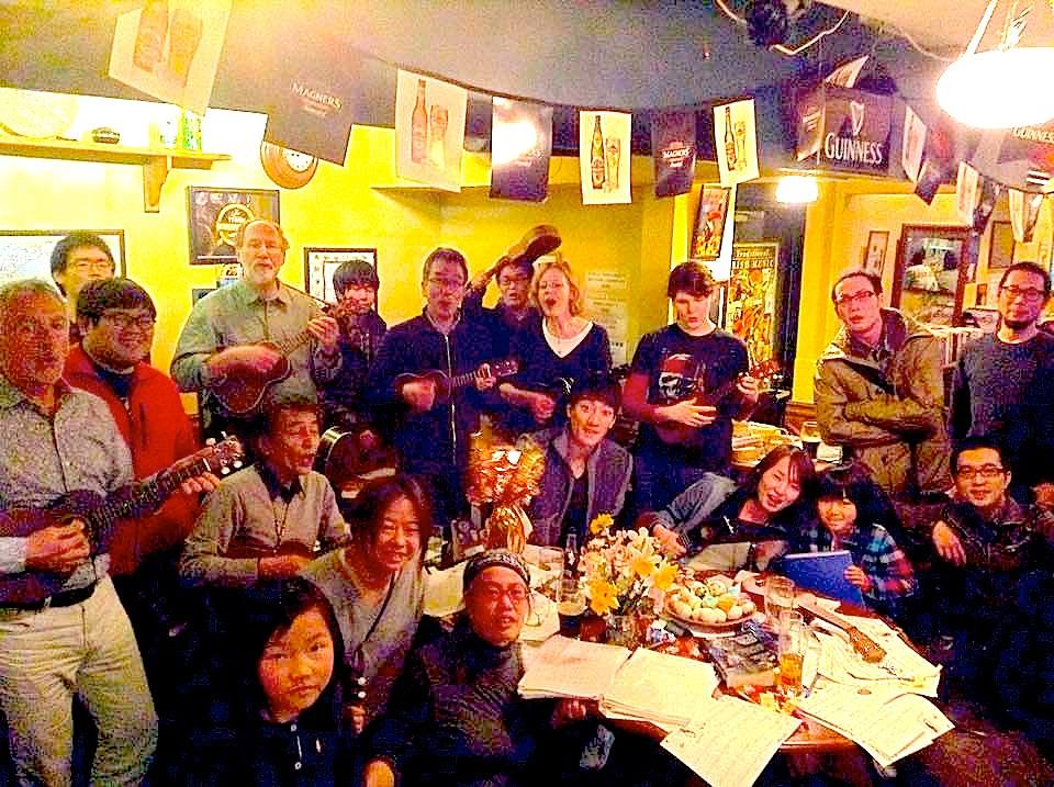 Kyoto Singing Around the Table & Ukulele Club